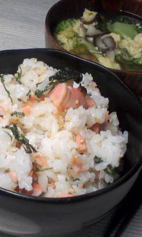 鮭と大葉の混ぜご飯で夜食