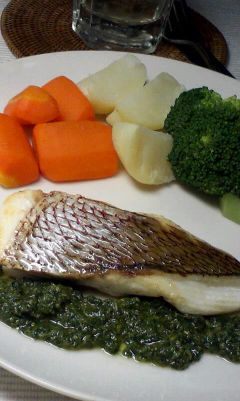 真鯛のポワレ、バジルソース