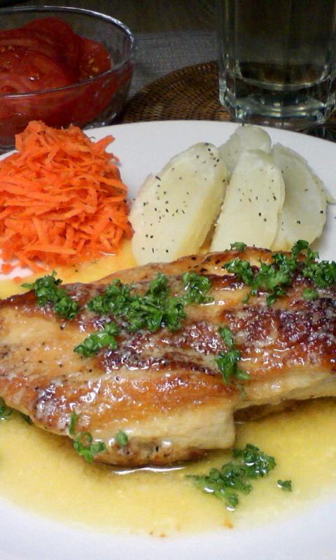 鶏胸肉のソテー、レモン…ソース…