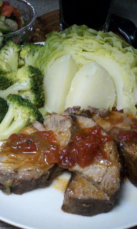 温野菜と、豚肩ロースのトマト煮