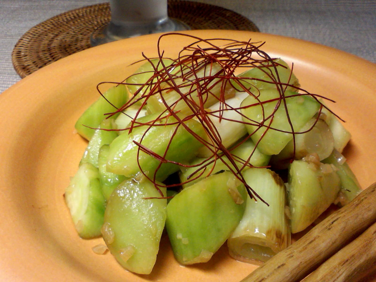 胡瓜と葱の炒めもの