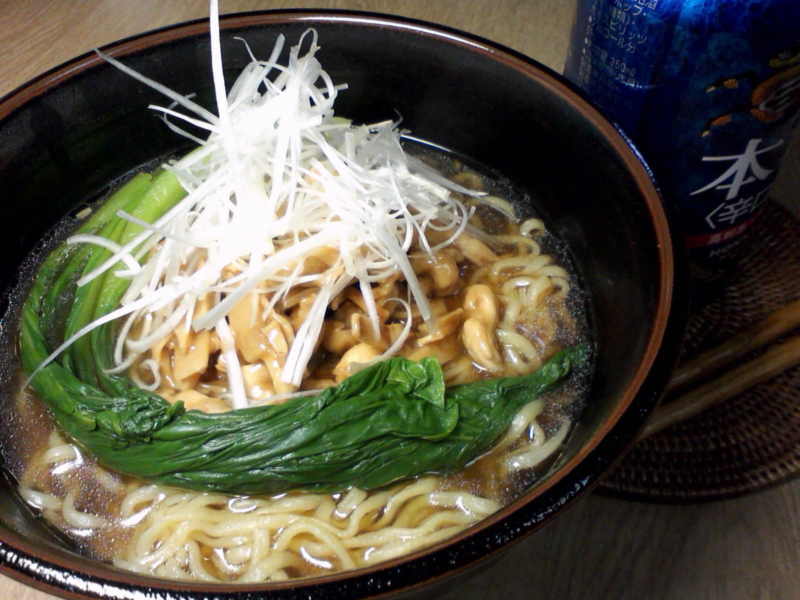 お弁当用おかずの残りで、鶏絲拉麺